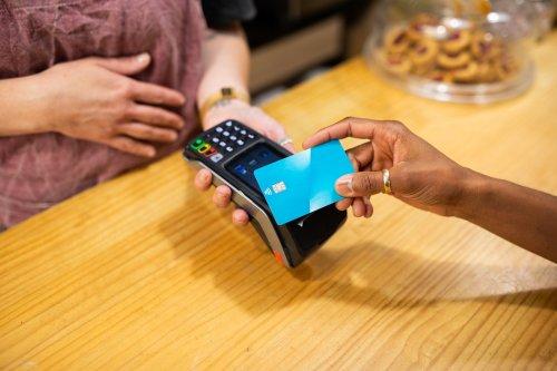 Karten von Amazon und dem ADAC werden wertlos - Die Landesbank Berlin zieht sich aus dem Kreditkartengeschäft zurück