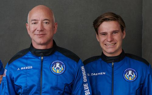 Der holländische Teenager, der mit Jeff Bezos ins All flog, hat noch nie was bei Amazon bestellt — aus diesem Grund