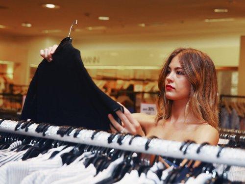 7 Dinge, die Menschen, die gut mit Geld umgehen können, niemals kaufen
