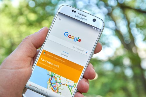 Wie ihr die Mikrofon-Funktionen eures Android-Smartphones abschaltet, um zu verhindern, dass Google euch abhört