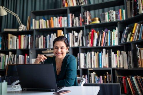 Management: In Bundesunternehmen gibt es mehr Frauen in Spitzenpositionen als in städtischen Unternehmen