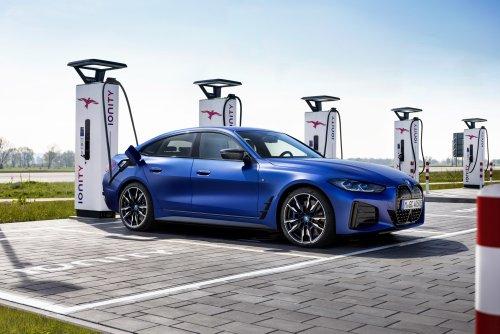 Interne Analyse: Was BMW am Model 3 von Tesla kritisiert – und mit seinem i4-Stromer besser machen will