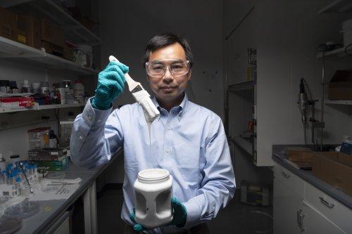 Forscher entwickeln die weißeste Farbe der Welt — die gleichzeitig die Klimaanlage ersetzen kann