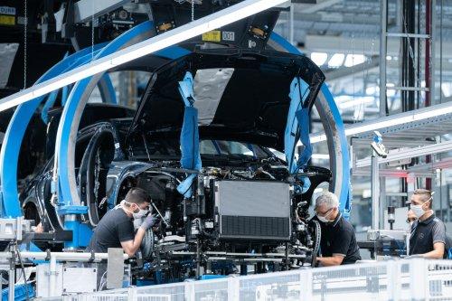 Goldener Handschlag: Mehr als 3.500 Daimler-Mitarbeiter haben Abfindungen von bis zu 400.000 Euro angenommen