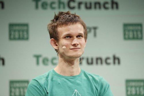 El cocreador de Ethereum, Vitalik Buterin, es ahora el criptomillonario más joven del mundo en medio de la subida del 350% del ether en lo que va de año