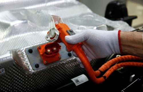 Los lentos tiempos de carga ahuyentan a los potenciales compradores de coches eléctricos: estas 5 startups están creando las baterías de carga rápida que podrían conquistarlos