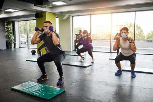 Este conjunto de protectores te hará más leve hacer squats en casa o en el gimnasio