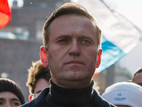Imprisoned Kremlin critic Alexei Navalny wins EU's top human rights prize over his fight against Putin