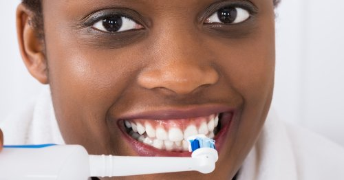 If You Have Receding Gums, A Dentist Says These Are The Best Electric Toothbrushes To Get