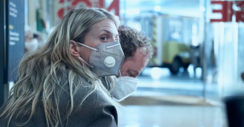 'Oxygen' Netflix review: The first great sci-fi pandemic movie