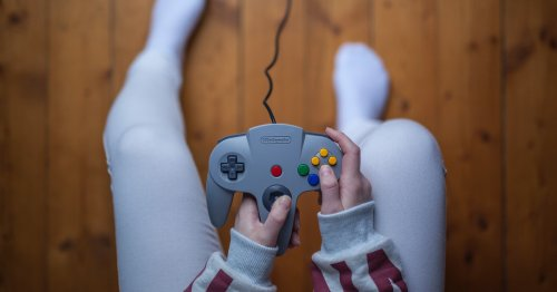 You're bored: Here's how to play any old-school video game you want