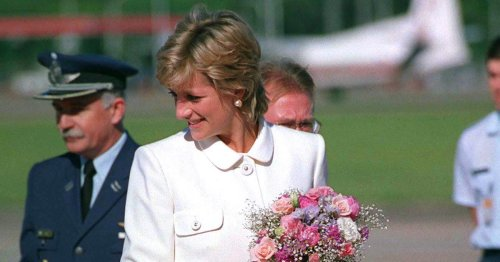 8 Times Princess Diana Was The Perfect Versace Poster Girl