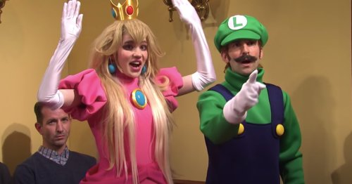 Grimes Made A Surprise Appearance As Princess Peach On 'Saturday Night Live'