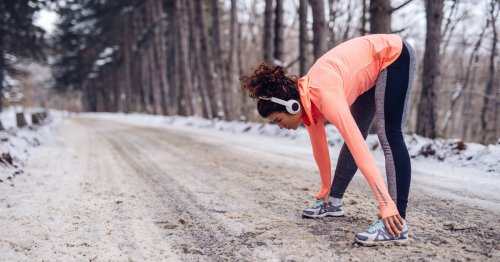 Need Some Motivation To Stick To Your Workout This Winter? Try This Expert-Approved Tip