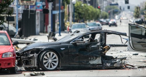 Tesla launches in-house car insurance program for Texas
