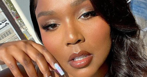 Lizzo's Crystal-Inspired Manicure Is The Chicest Good Luck Charm