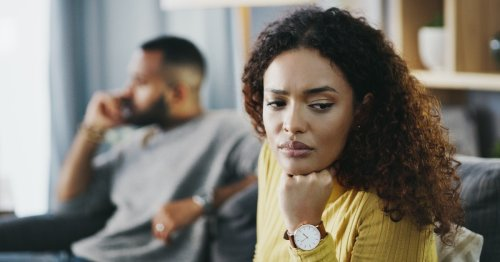7 Signs Your Partner Is Lying, According To A Body Language Expert