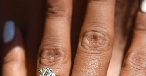 Experts Say This Is The Most Common Carat Size For An Engagement Ring