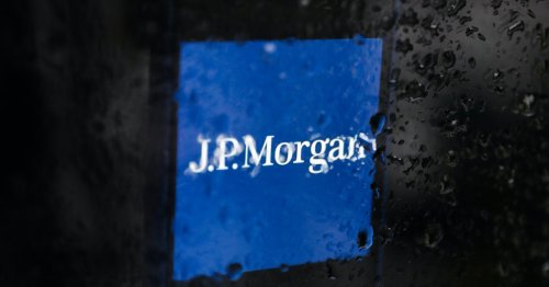 JPMorgan Chase just can't seem to quit fossil fuels