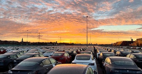 Musk Reads: See Tesla's incredible Model 3 deliveries in action