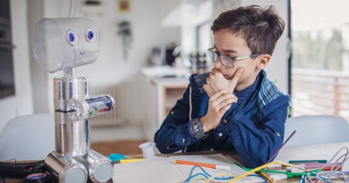 21 Of The Best STEM Kits For Your Budding Engineers & Scientists