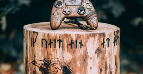 This 'Assassin's Creed' controller is fit for Odin himself