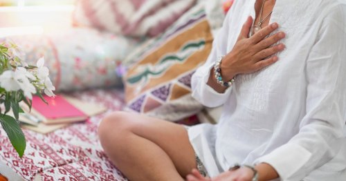 """Setting Intentions Are A """"Part Practical, Part Magic"""" Wellness Practice, Experts Say"""