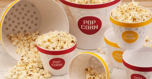 Amazon Shoppers Are *Obsessed* With This Pop & Serve Popcorn Bowl
