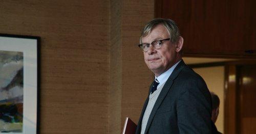 'Manhunt' S2 Shows DCI Colin Sutton Track Down An Uncatchable Killer