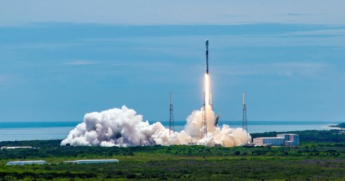Elon Musk's SpaceX flies dangerously close to breaking the law