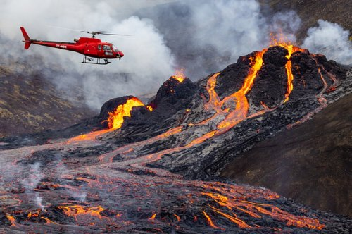 Here Are Some Incredible Photos Of The Iceland Volcano Eruption