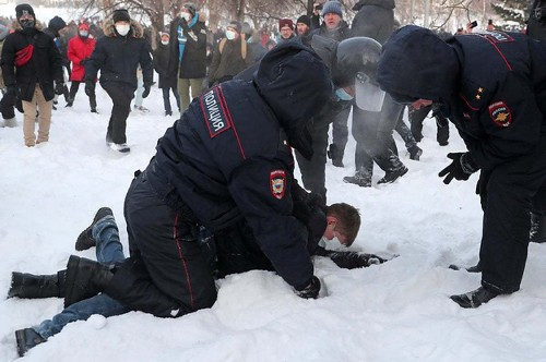 These Photos And Videos Of Pro-Democracy Protests In Russia Are Shockingly Intense