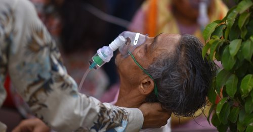 These Horrifying Photos Show How Dire The Coronavirus Surge In India Is