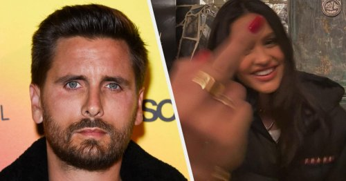 """Amelia Hamlin Gave The Middle Finger On Instagram After Scott Disick Was Pictured With Another Woman Amid Reports He's """"About To Go Off The Deep End"""" Over Kourtney Kardashian And Travis Barker's Engagement"""