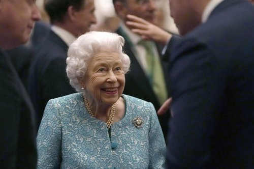 """The Queen """"Reluctantly"""" Canceled A Trip After Doctors Insisted The 95-Year-Old Rest"""