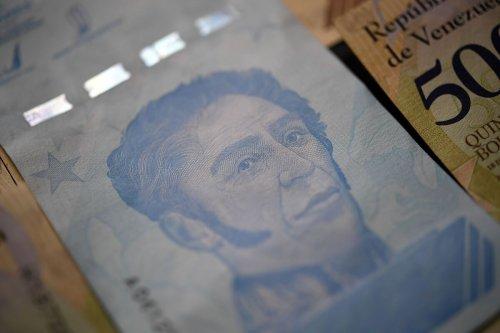 Hyperinflation Pushes Venezuela to Print 1,000,000-Bolivar Bills