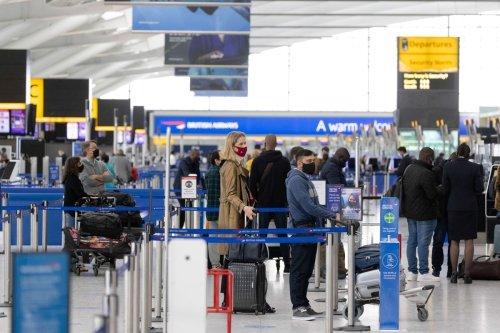 U.K. Travel Chiefs Set to Challenge Fourth Lockdown Warning