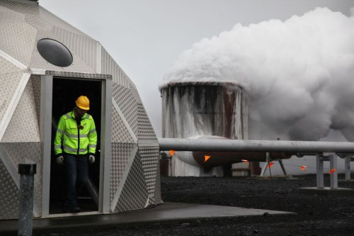 The Icelandic Startup Bill Gates Uses to Turn Carbon Dioxide Into Stone