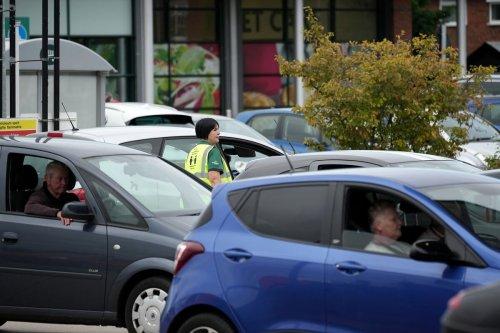 Johnson Set for Trucker Visa U-Turn as Britons Line for Fuel