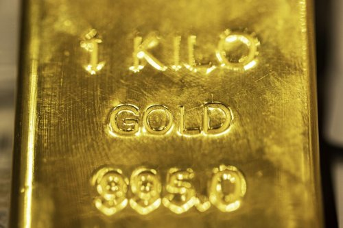 Gold Set For Best Week Since December With Yields Retreating