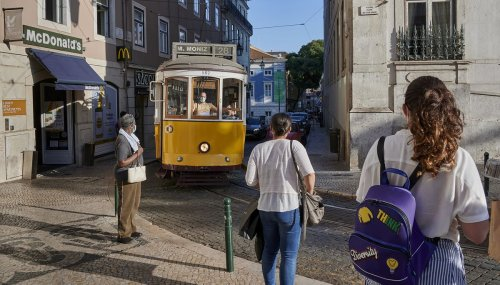 Portugal to Limit Travel to, From the Lisbon Area During Weekend
