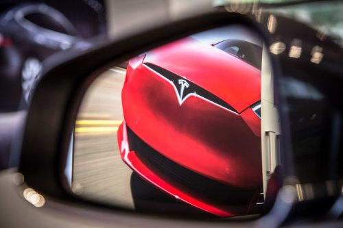 Tesla Says China Car Traveling at Nearly 120 Km/H Before Crash