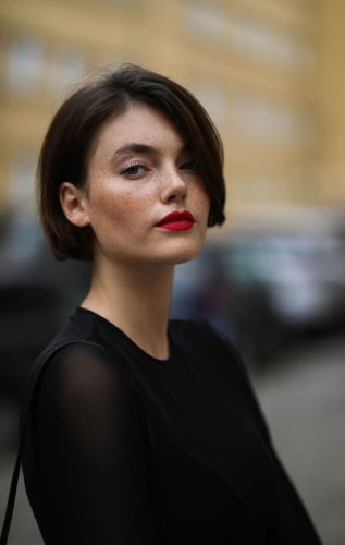30 Chic Ways to Style Short Hair
