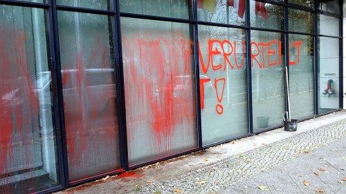 SPD-Parteizentrale mit Klima-Parolen beschmiert