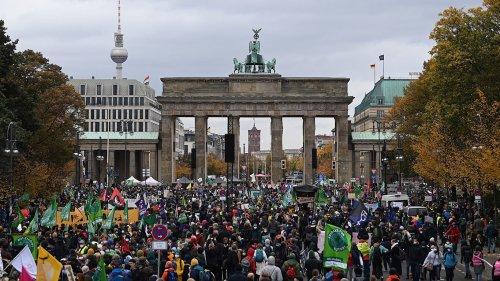 Zu stürmisch! Klima-Aktivisten beenden Demo vorzeitig