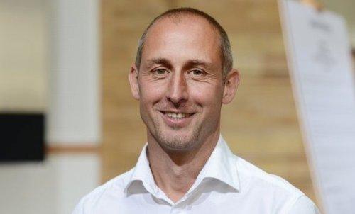Homosexueller ehemaliger Fußball-Profi Urban lässt sich taufen