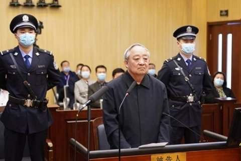 Former Power Giant Chief Confesses to Taking $72 Million in Bribes