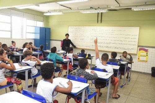 Sistema Nacional de Educação é tema de debate na sexta