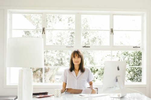 """Catt Sadler Shares Her Feel-Good Morning & Skincare Routine—Plus, """"The World's Most Complicated Smoothie"""""""