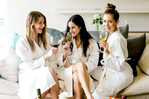 Cutting Back on Sugar? Stock Your Wine Rack With These 11 Keto-Friendly Brands